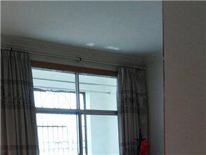 广场路3室 2厅 2卫37.8万元