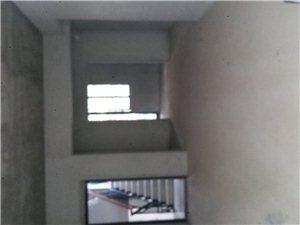 未来城3室 2厅 2卫60万元