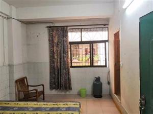 龙城周边1室 0厅 1卫450元/月