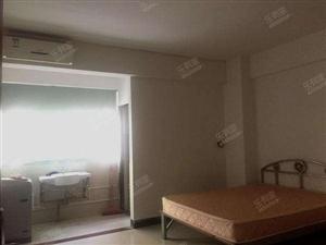 龙川县老隆镇水贝1室0厅1卫780元/月