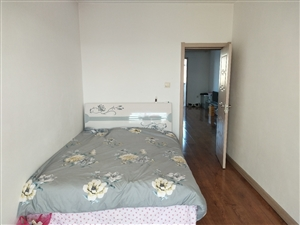 女生合租,世纪家园2室 1厅 1卫450元/月