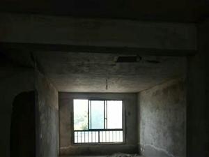 江海花园3室2厅2卫51.8万元证满两年