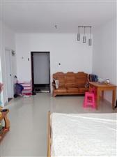 精装一房一厅仅需1200元月