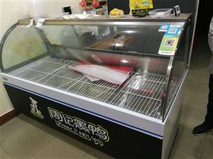 卤菜店转行,店内设备转让,一米八长展示柜,上下冷藏,直冷,买来三个月,实用两个月,现降价转让