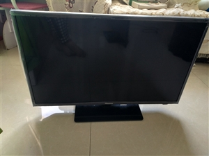 出售液晶电视32寸海信led,不能连无线,原装,无拆无修,可以插网线,2015年左右的,有遥控底座,...