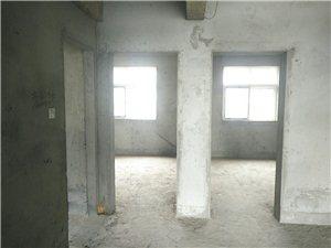 急售世华国际3室2厅1卫49.5万元