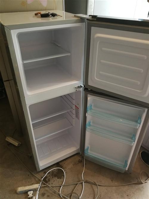 刚买半年的新冰箱,现便宜出售,要的联系……