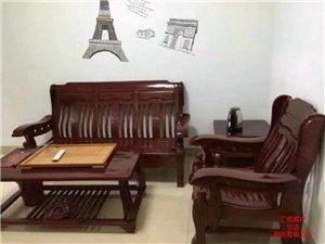 阳光城精装修1室 1厅 1卫1200元/月