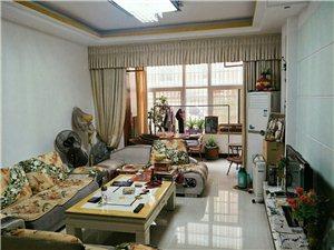 光彩公寓,160平方四室两厅,可按揭,楼层好。