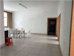 国税局家属院,140平方三室两厅,楼层好,价格美丽