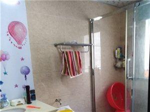 名居花苑141平米精装修3室2厅2卫115万元