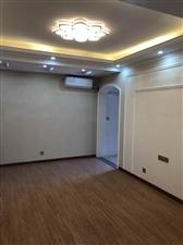 维也纳电梯精装两室一厅可办公1600元/月