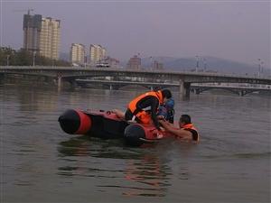 苍溪红十字救援队2018年冬季第二次水上救援训练