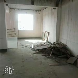 廉租房6跃7层毛坯房两层126�O单价3700元/�O