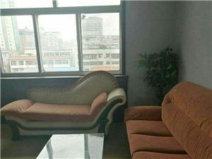 王府附近供销社宿舍精装3室带储藏室900元/月