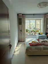 低价出售,时代豪庭2室带小院,精装修