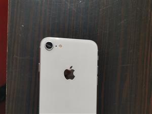自用一部苹果8出售,白色64g,无瑕疵,九成新,3200元。还有一部刚买的华为mate20pro,加...