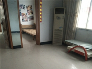 老保险公司南100米沿街2楼2室2厅1卫750元/月