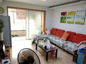 汇龙湾精装地暖,全家实木装修,外开门小房