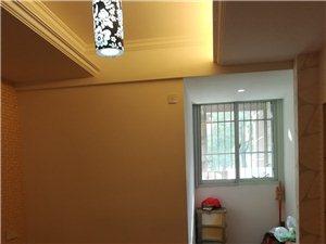 中央广场3室 2厅 2卫116万元
