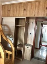 怡和名士豪庭3室2厅2卫165万元