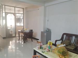 丽枫酒店旁边3室 1厅 1卫1300元/月