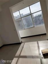雨润城附近三室一厅简装空房700元/月