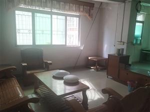 眠牛形4室 2厅 2卫900元/月