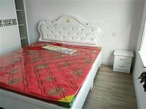天元・万和城3室2厅1卫1800元/月