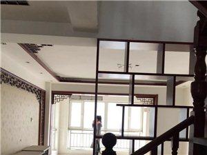 威尼斯小高層5室2廳2衛140萬元