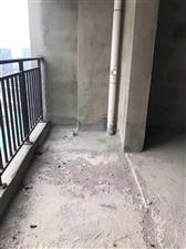 县城中心学区房中等楼层电梯房一小附近3室2厅81万元