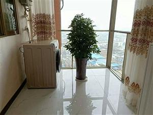 城中心美好阳光电梯房中等楼层,精装套三双卫