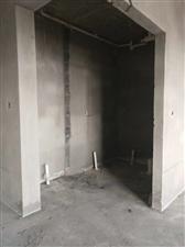 悦城广场16楼61平毛坯1室1厅1卫20万元