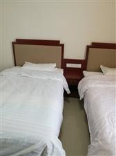 路通驾校附近六楼1室1厅1卫空调床热水器宽带