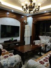 中央�X地豪装3室2厅2卫72.8万元