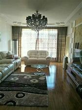 怡和名士豪庭3室2厅2卫175万元