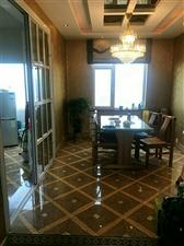 怡和名士豪庭4室2厅3卫205万元