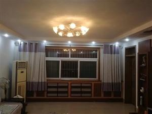 西苑小区118平4楼精装带储藏室85万元