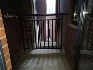 城北新区,二楼套三带80平米超大平台,就读城北小学