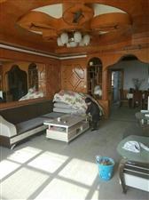 世纪花苑旁4室2厅144平米+附房88万元