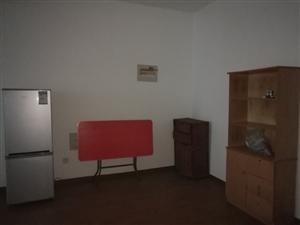 利华・中央公馆3室2厅1卫1600元/月