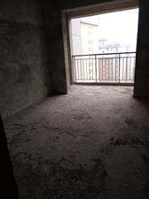 半岛国际城3室2厅2卫68万元