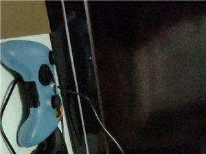 Xbox360?#24179;?#29256;slim主机加2个原装手柄。内含近60多个中文经典游戏,如gta5,战争机器历代...