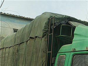 带活出售12年东风多利卡五米八高栏鸭苗车