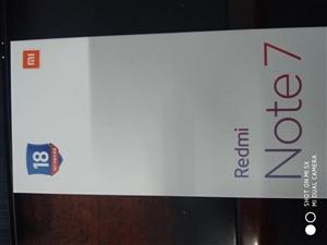 京东官网购买的红米note7,梦幻蓝  4+64G,版本。质量小金刚,颜值爆表。全新未拆封的,今天刚...