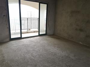 成熟地段亚澜湾四房两厅首付40万自由装修!
