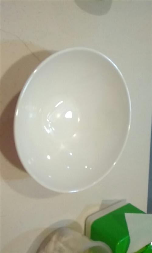 密胺A5料 8.5寸  面碗   豆花泡馍  麻辣汤匀可,底价出售。18700720996电话   ...