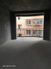 龙腾毛坯3房,楼层好,户型房正!