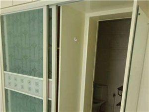 天山花园中单元1楼159平车库2个2000元/月