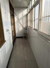 红盾小区3室2厅1卫100万元带储藏间